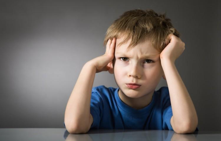 Barn med hovedpine
